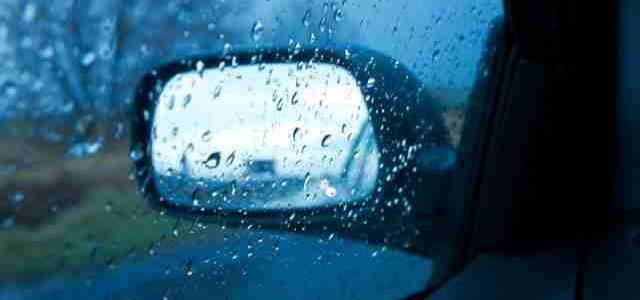 Правила водіння у дощову погоду